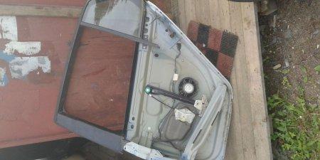 Dvere na VW Golf 5 zadne ľave 1