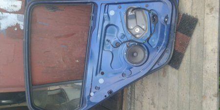 Dvere na VW Golf 5 zadne ľave 2