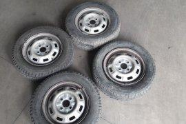 Zimne pneu + disky  4ks na ŠkodaFavorit